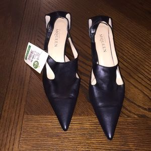 Alexander McQueen black pumps pointy shoes NWT